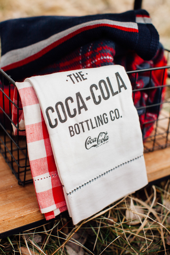 Entertaining with Coca-Cola, fireside camp styled by The TomKat Studio, photos by Ten22 Studio