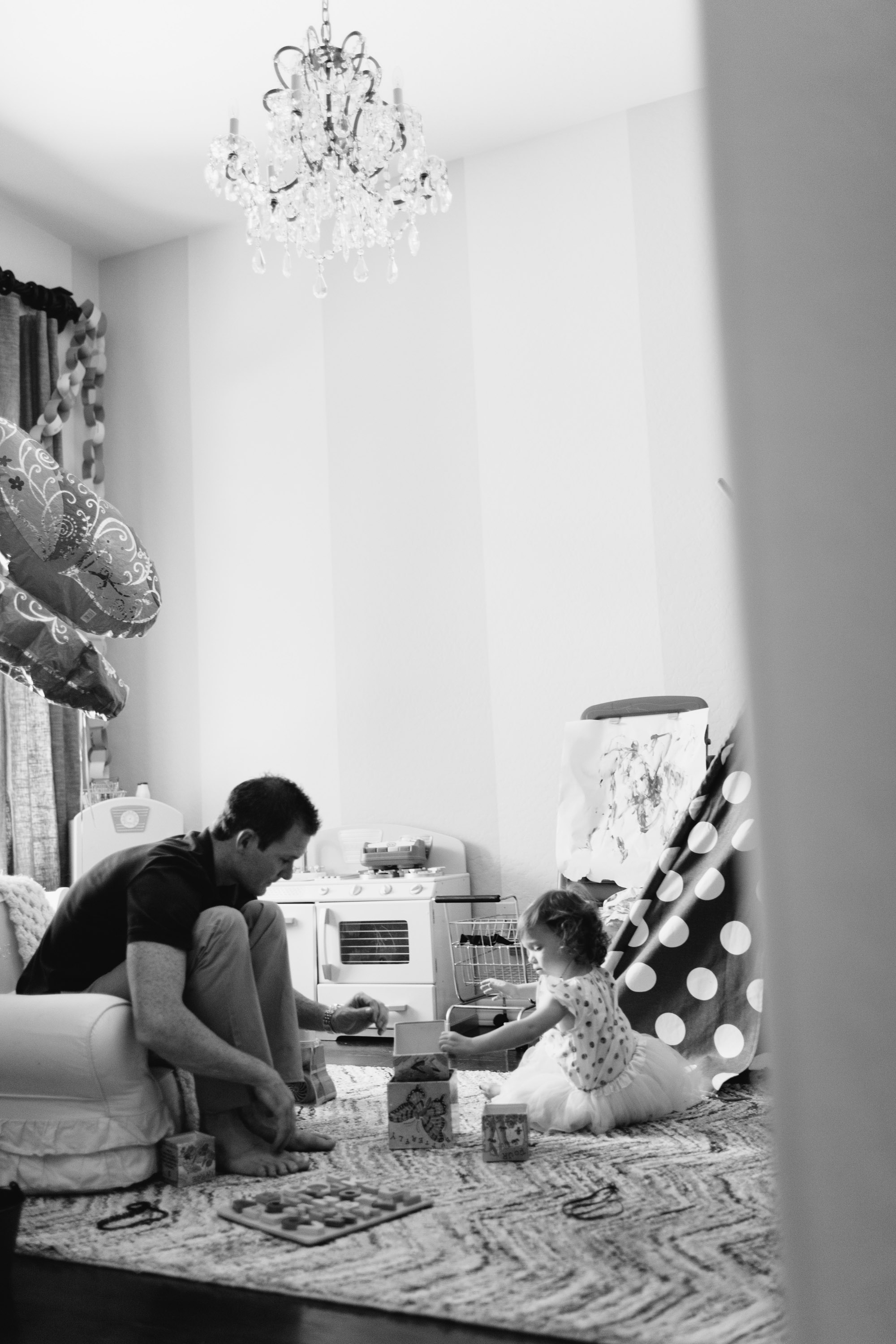 family in home lifestyle photo ©ten22 studio