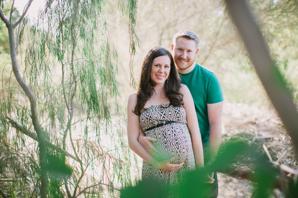 Fly Family outdoor Arizona desert greenhouse maternity photos ©Ten22 Studio | Rennai Hoefer