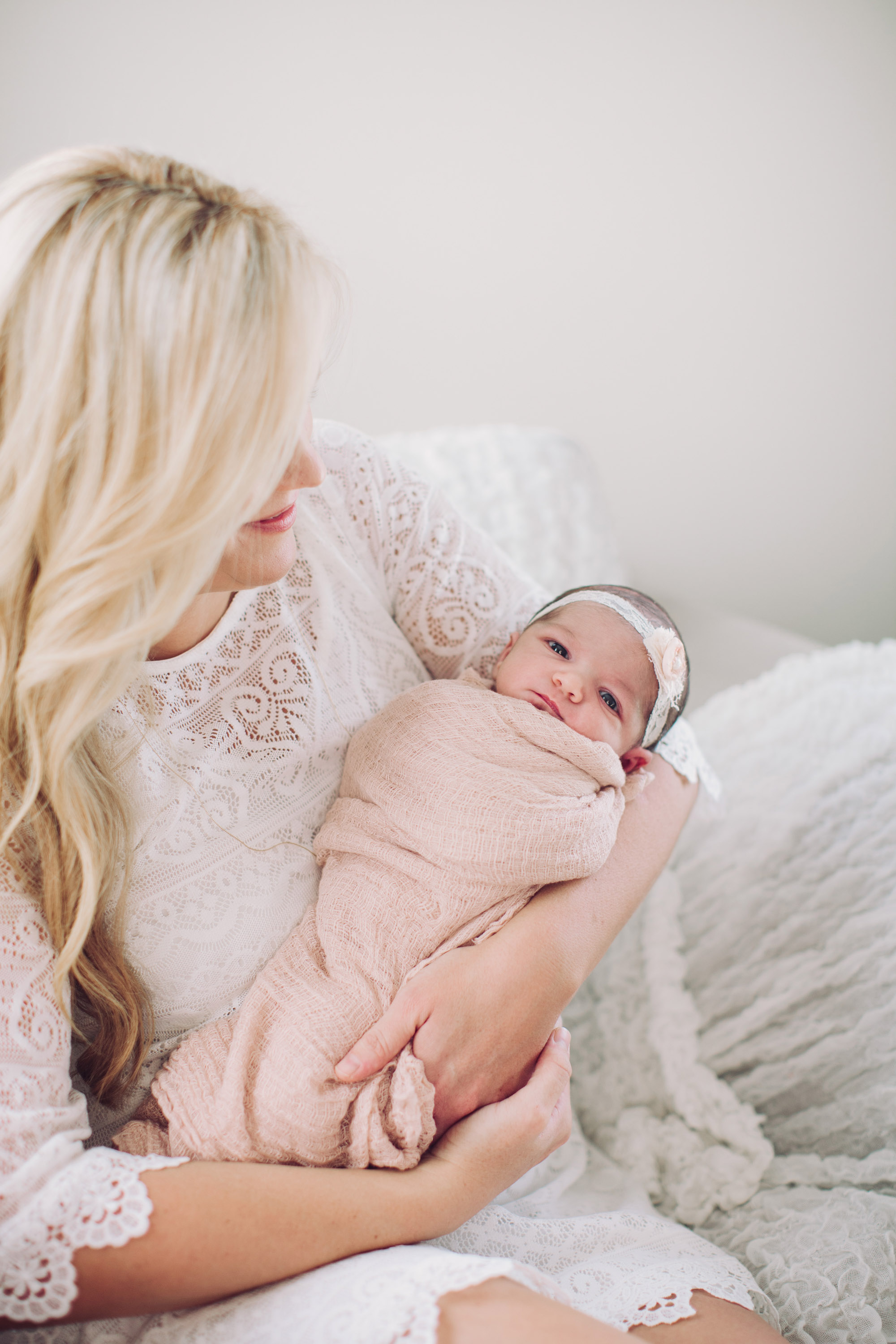 Violet Trevizo Newborn Lifestyle Family Baby Girl Siblings | Rennai Hoefer © Ten22 Studio
